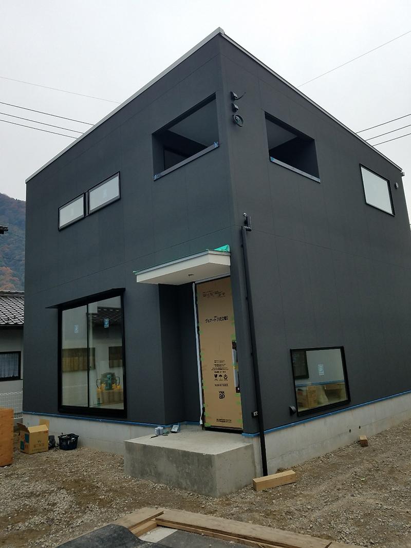 新築外壁塗装工事(可部)